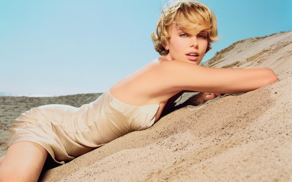 Charlize Theron (10)