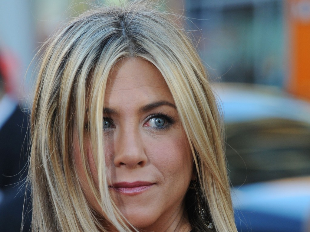 Jennifer Aniston (8)