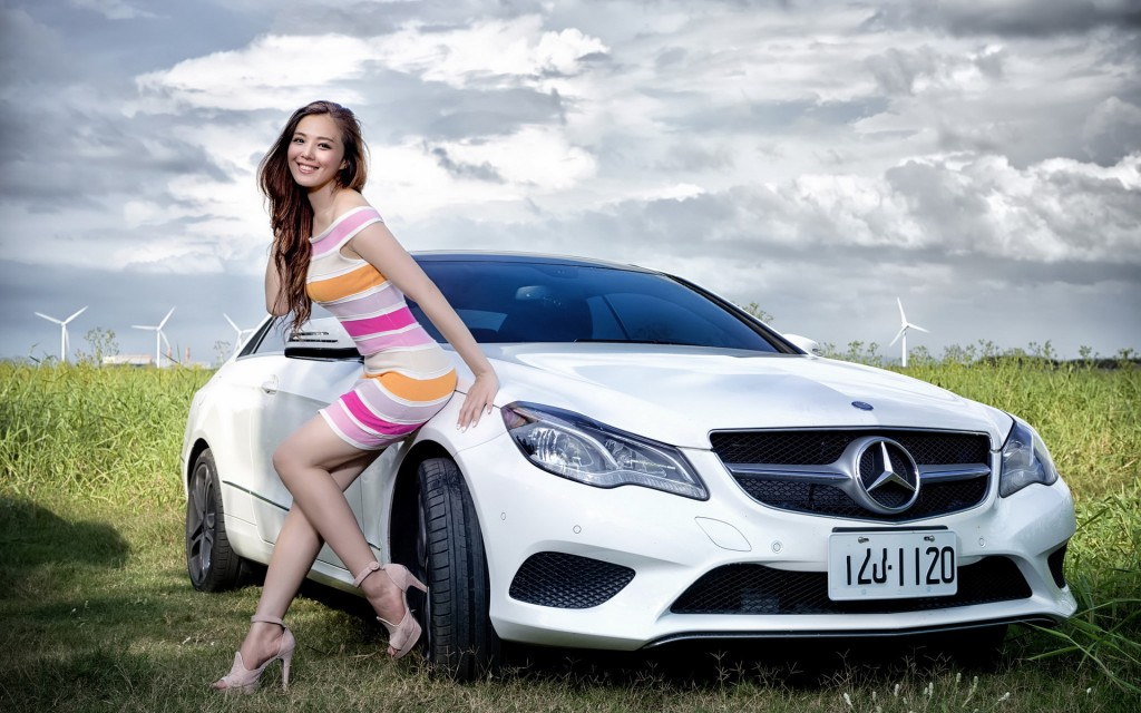 Girls With Car (11)