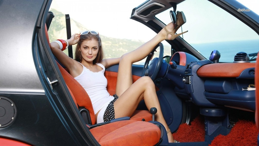 Girls With Car (9)