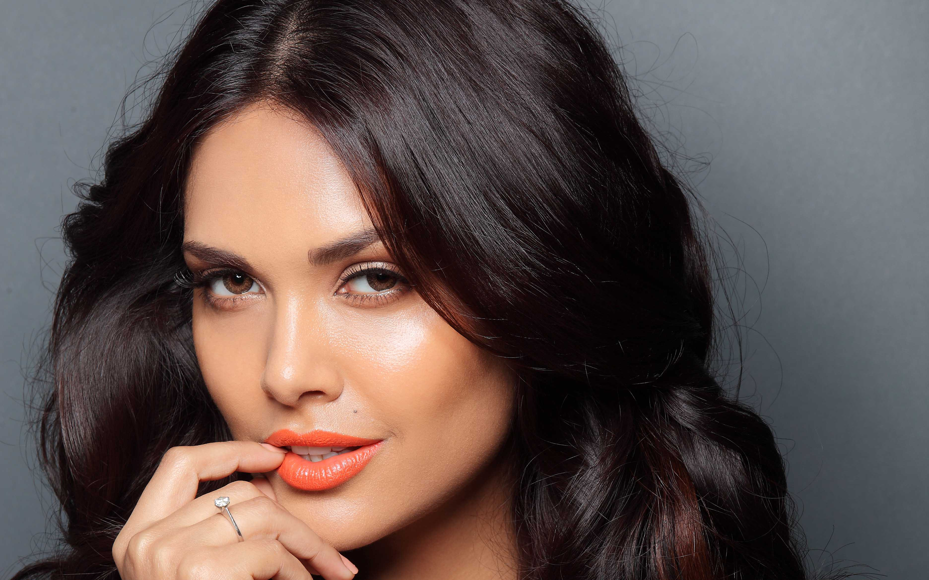 22 Esha Gupta HD Wallpaper Photos And Images
