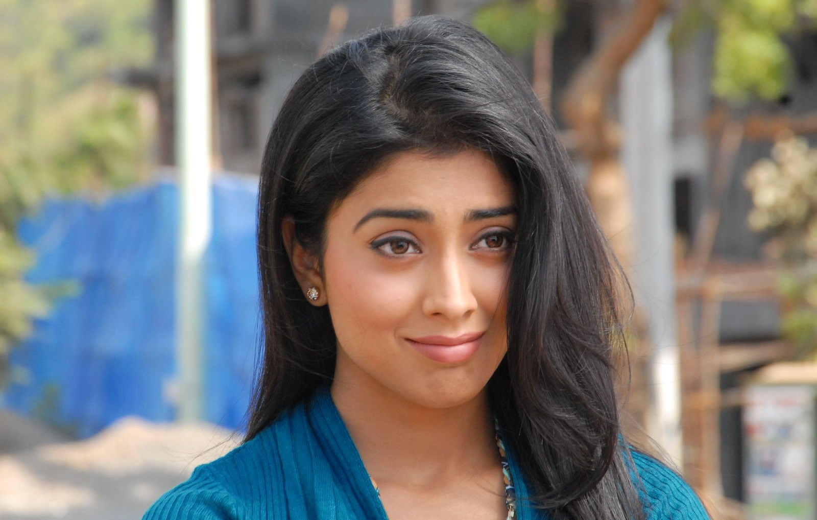 shriya saran bollywood actress new pictures, images (high quality
