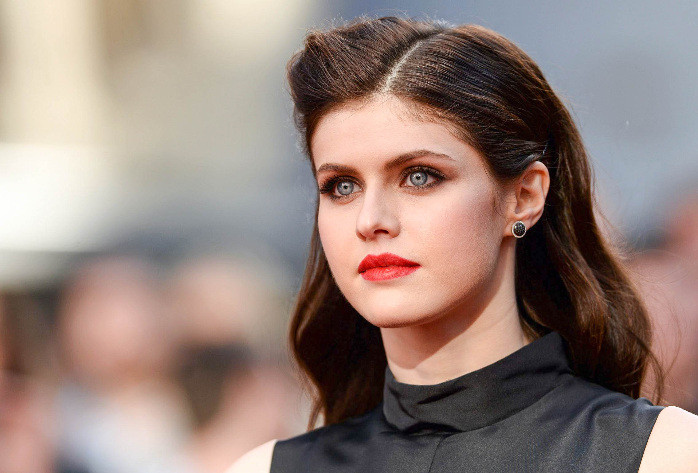 Beautiful Alexandra Daddario New HD Wallpapers 8 7