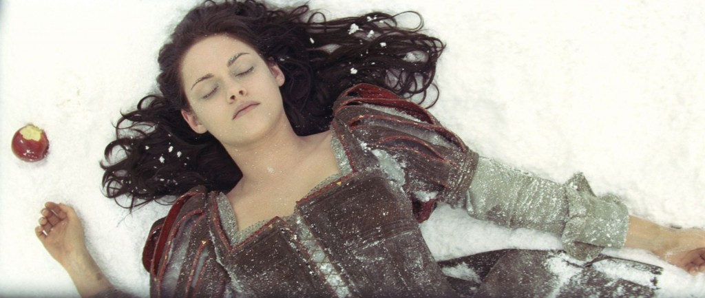 snow white and the huntsman (2)
