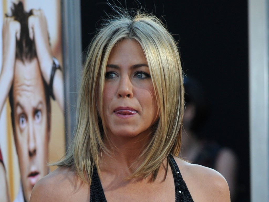 Jennifer Aniston (9)