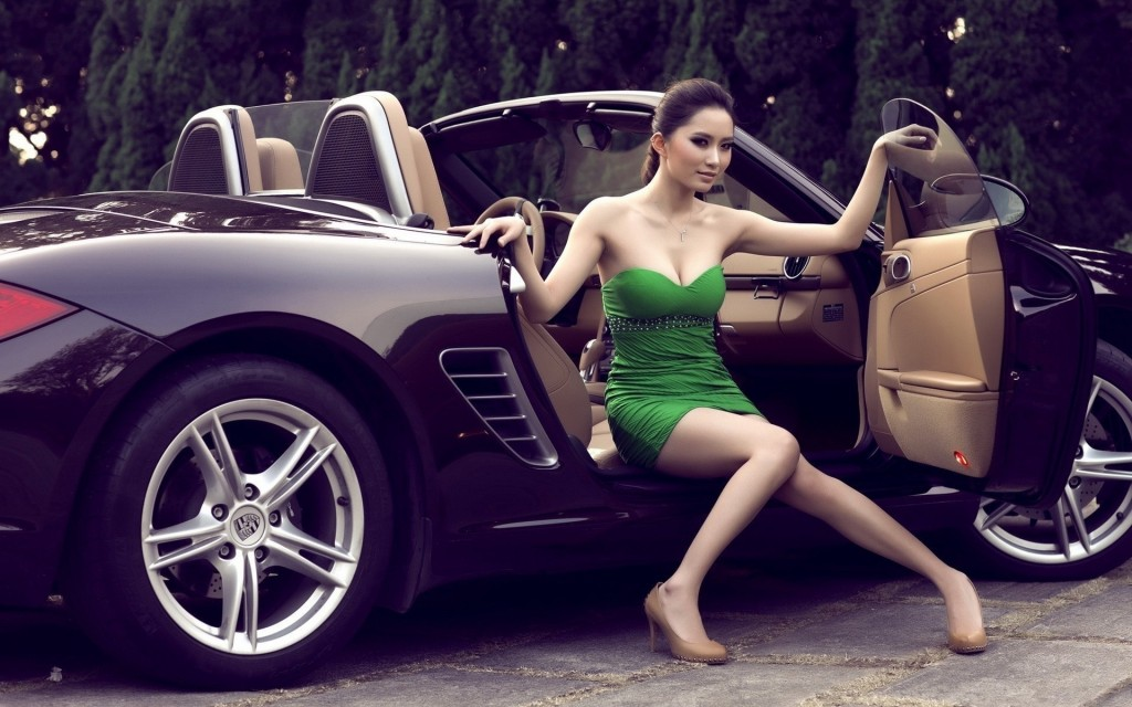 Girls With Car (6)