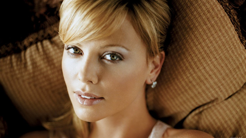 Charlize Theron (2)