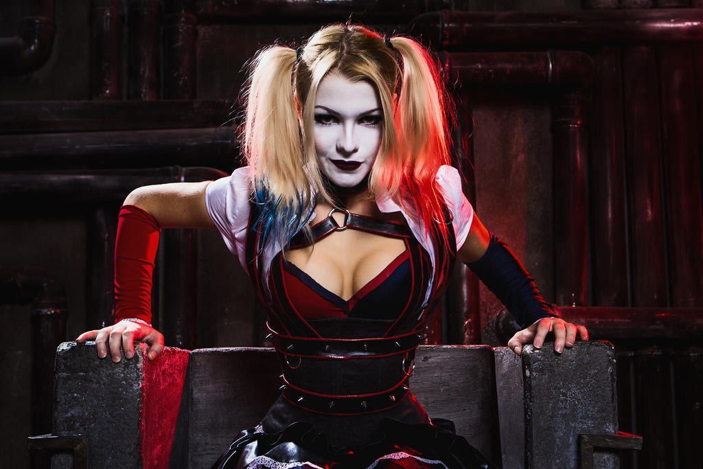 Harley quinn cosplay wallpaper