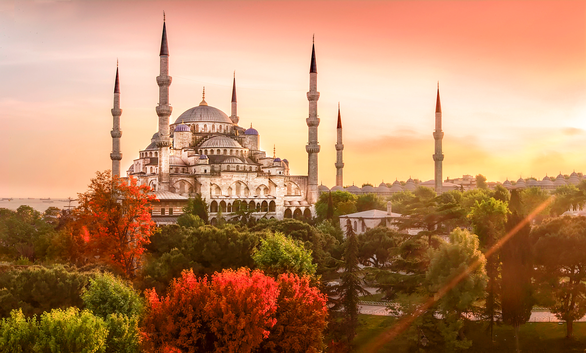 Blue Mosque Istanbul, Turkey 4K Wallpapers2