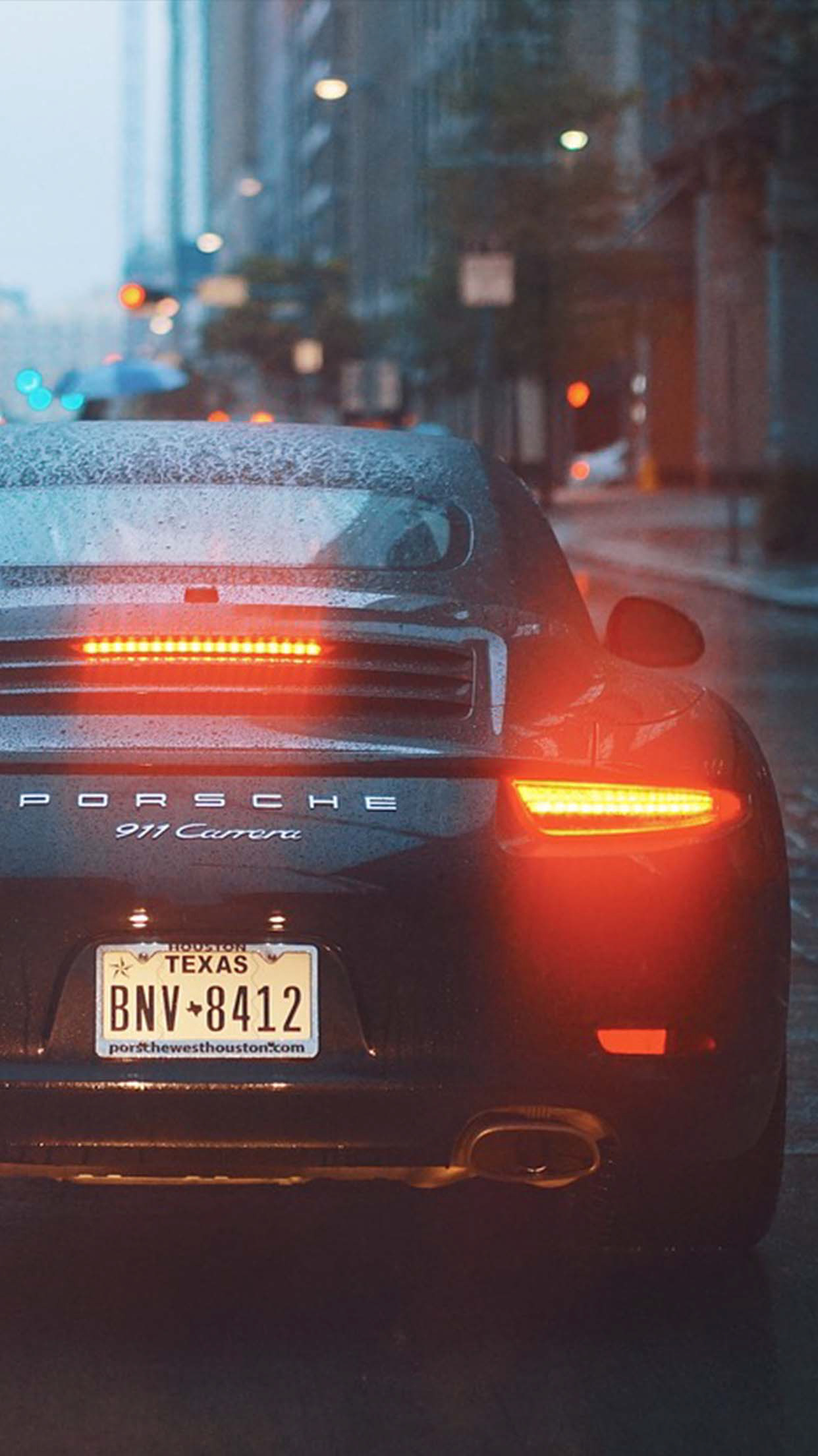 Porsche Car in Rain Iphone wallpaper