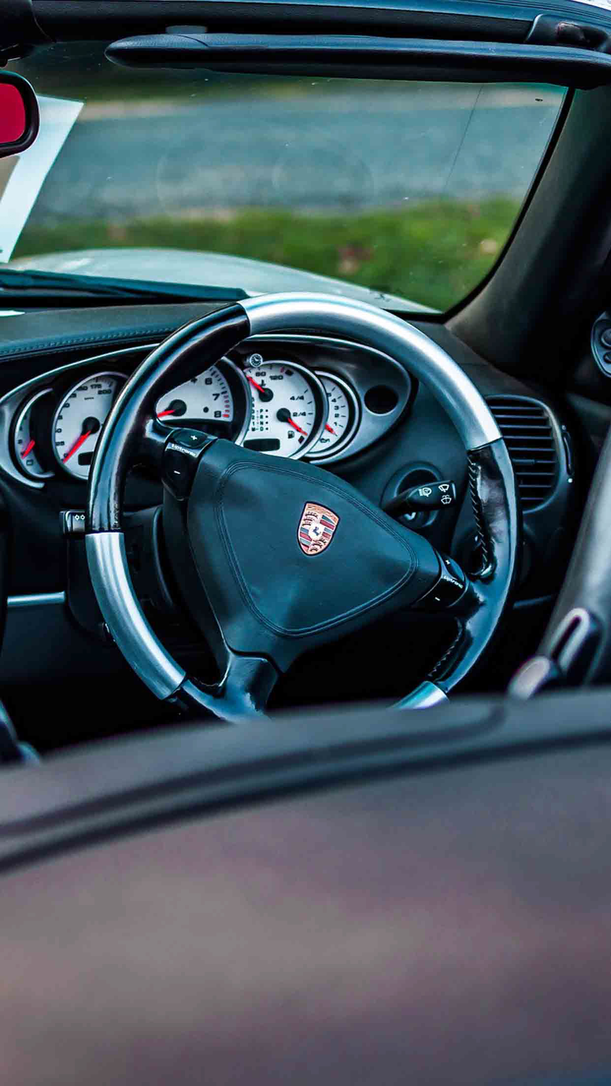Porsche Steering iPhone wallpaper